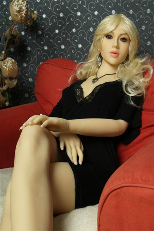 Realistic-Sex-Doll-165cm-Pearl-02
